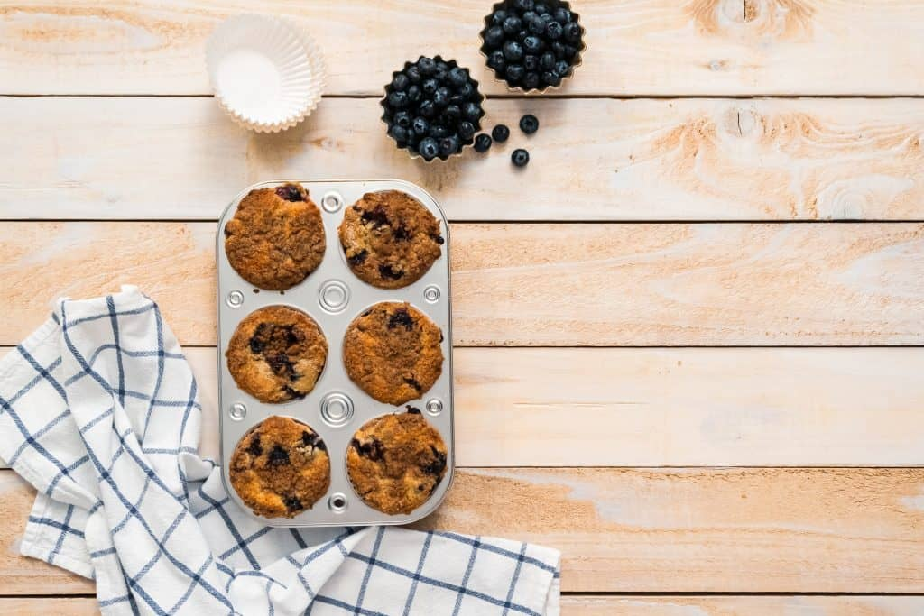 With the best bakeware set you can make blueberry muffins!