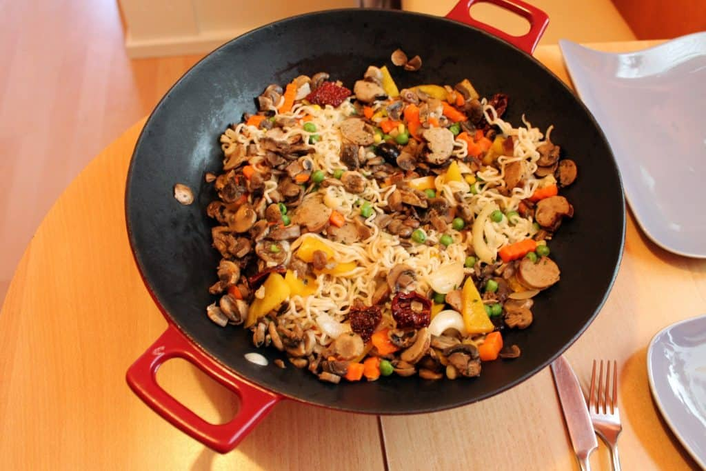 If you are looking for the best electric wok, we can help! The portability of an electric wok is one of its greatest assets. Cook a meal outside of a kitchen.